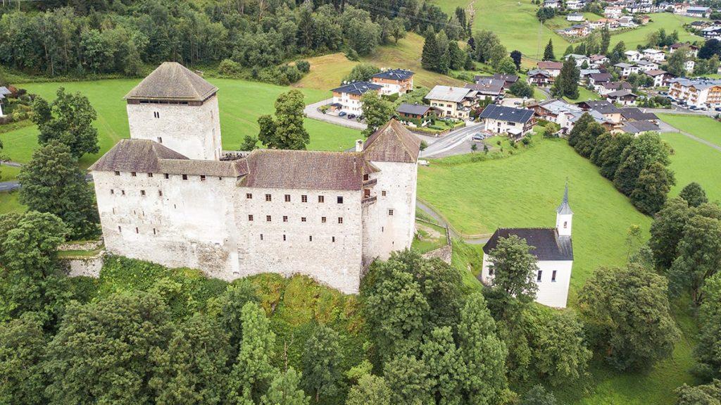 Burg Kaprun Sommer © Arne Müseler - arne-mueseler.com