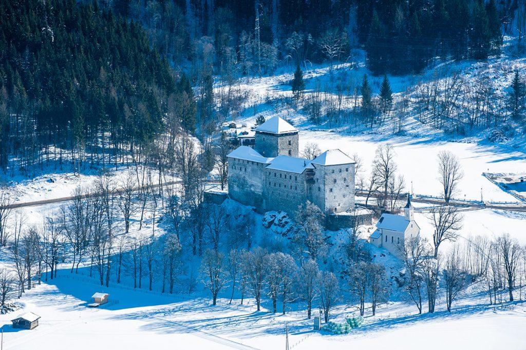 Burg Kaprun Winter © Zell am See-Kaprun Tourismus / Mairitsch
