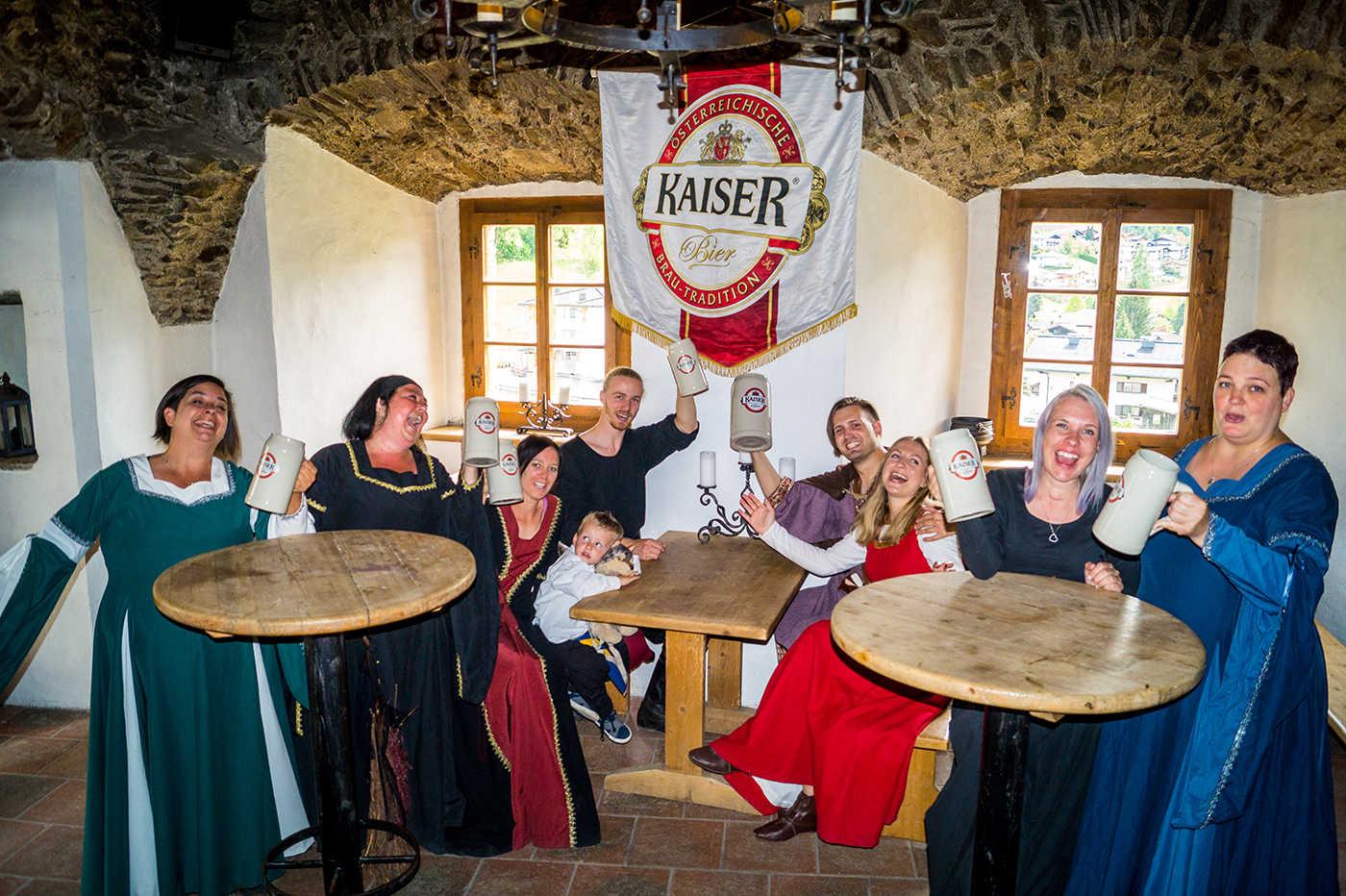 Eigens gebrautes Kaiser Bier rettet vor dem Verdursten und Gaumenfreuden erwarten euch