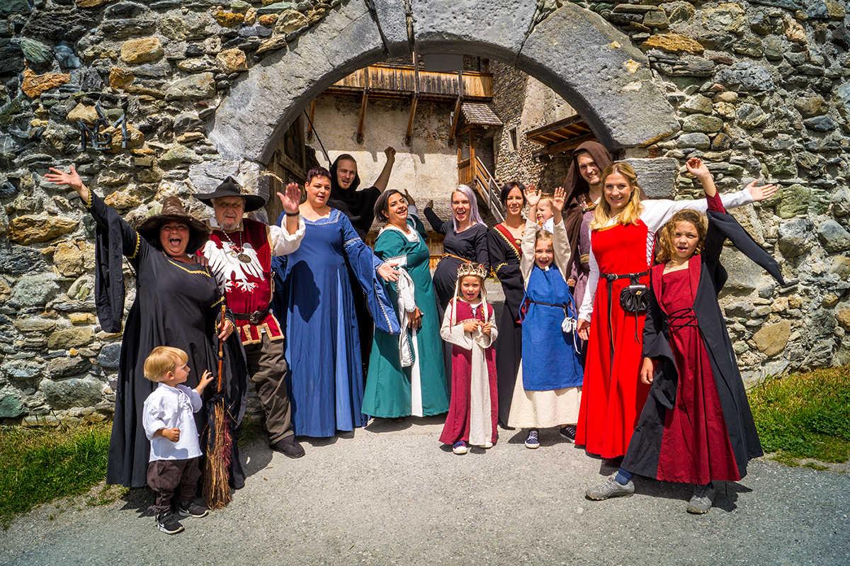 Das Burgfest Team freut sich auf euren Besuch